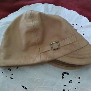 Wilson Leather Maxima Mod Pageboy Hat 4742c0a371c5